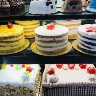 redlands-ranch-market-cake1